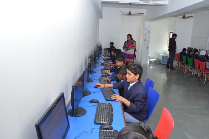 Kalawad English Medium School-Computer Lab