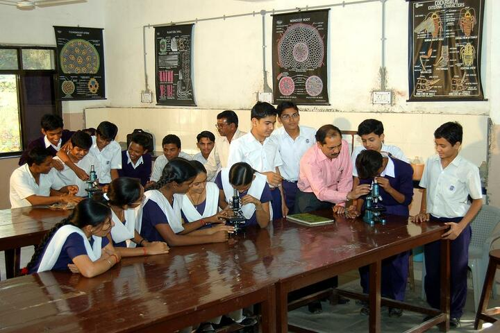 Kendriya Vidyalaya No 1-Biology Lab