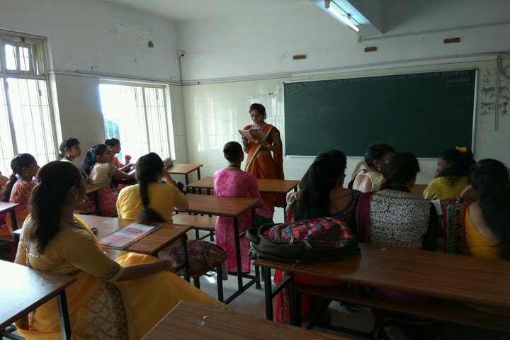 M. L. Kakadia National School-Classroom