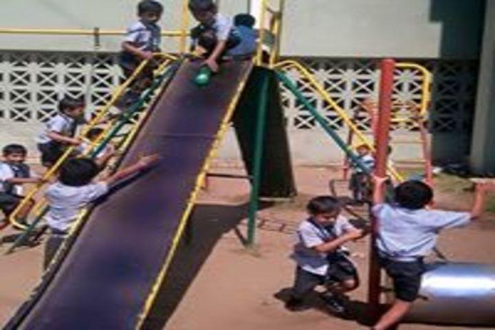 Narayan Vidyavihar-Playing area