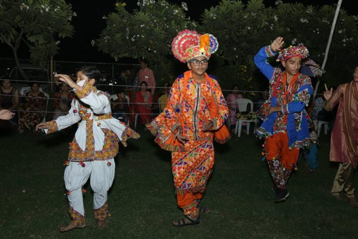 R P Vasani International School-Festival