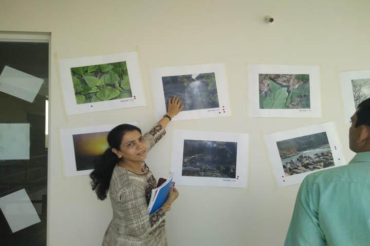 Sarojben Memorial International School-Photo Exhibition 2