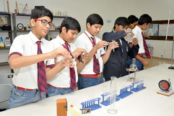 Shanti Asiatic School-Chemistry Lab