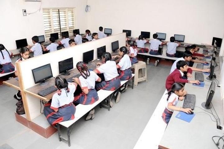 Shree Auro English School-Computer Lab