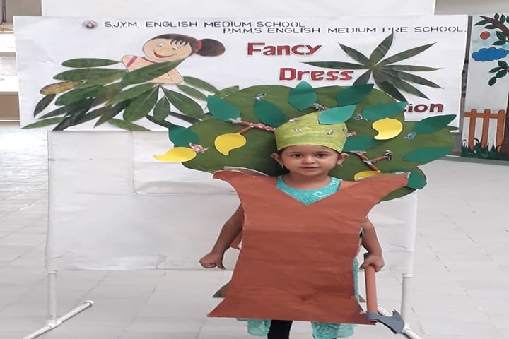 Shree Jain Yuvak Mandal English Medium School-Fancy Dress Competition