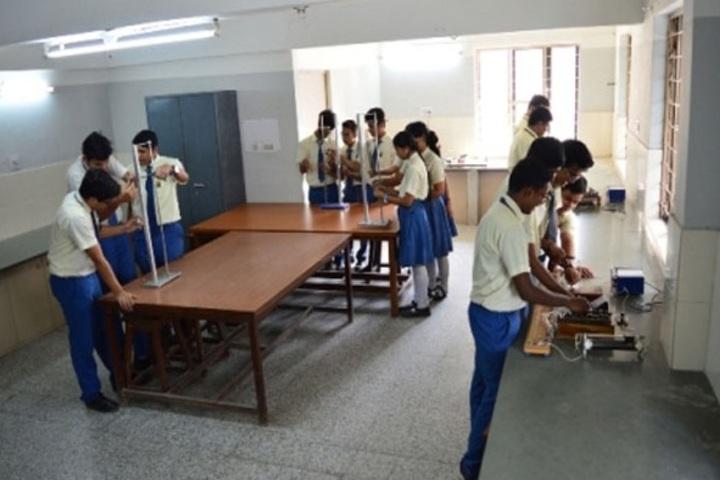 Shree Narayana Central School-Chemistry Lab
