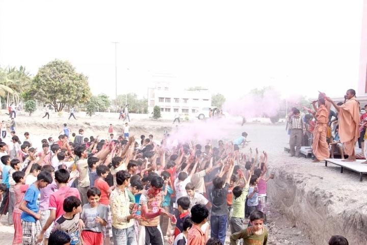 Shree Swaminarayan Gurukul Gyanbag International School-Holi Celebrations