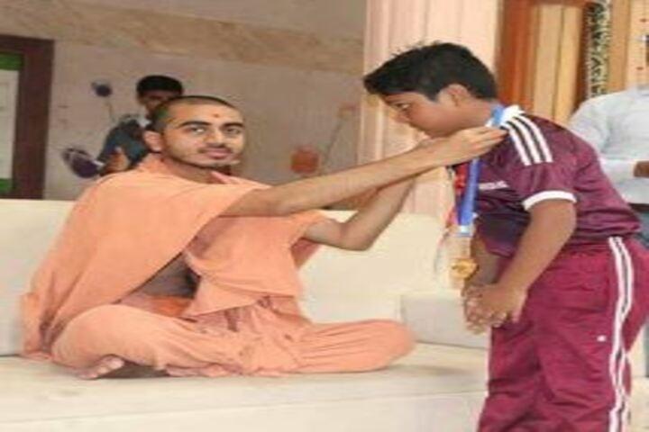 Shree Swaminarayan Gurukul International School-Medal Presentation