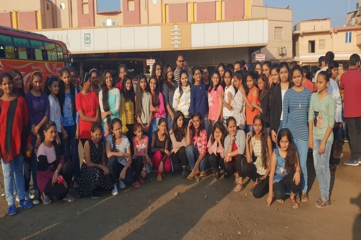 Shree Swaminarayan International School-Educational Tour
