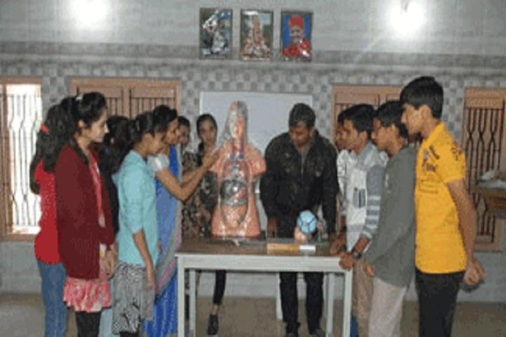 Shree Swaminarayan M G K English Primary School-Physics Lab