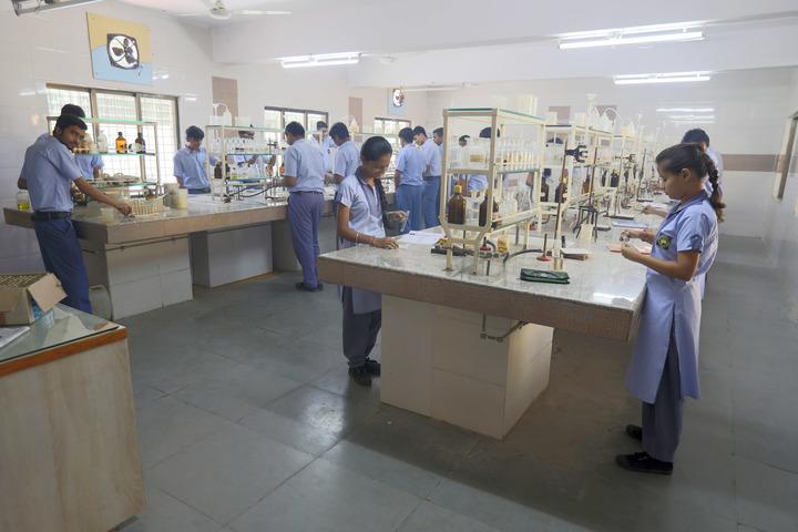 Shree Swaminarayan Public School-Chemistry Lab