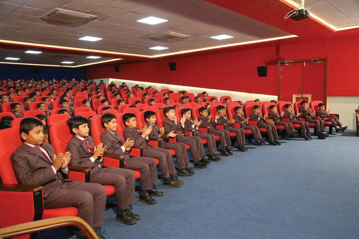 Shree Swaminarayan Vidhyapeeth-Auditorium
