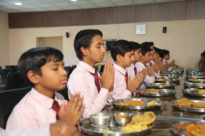 Shree Swaminarayan Vidhyapeeth-Dining Room