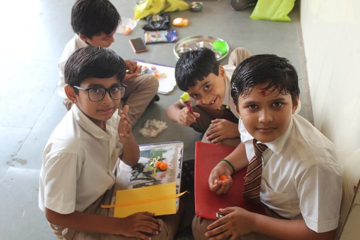 Shri Green Farm English School-Card Making Activity