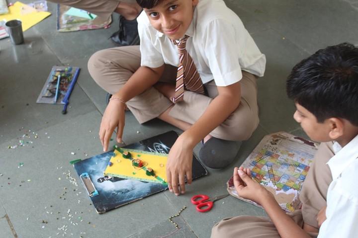 Shri Green Farm English School-Rakhi Making Activity
