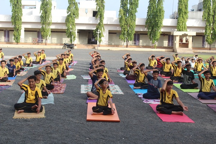 Shri Green Farm English School-Yoga Day