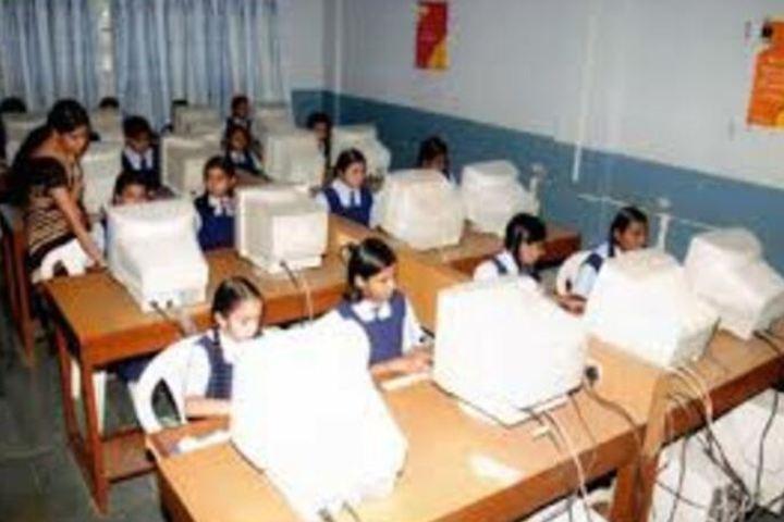 Shri L G Haria Multipurpose School-Computer Lab