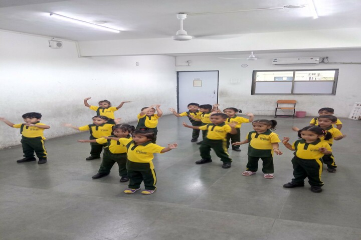 Vibrant School Of Excellence-Dancing Room