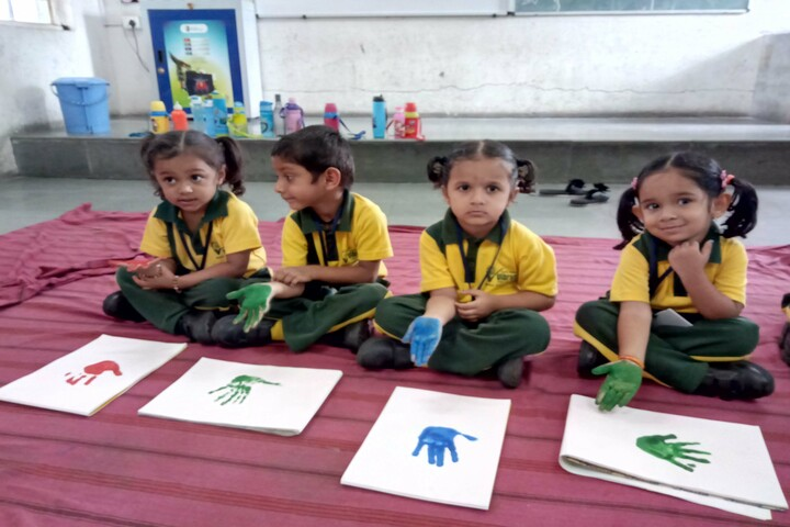 Vibrant School Of Excellence-Palm Printing  Activity