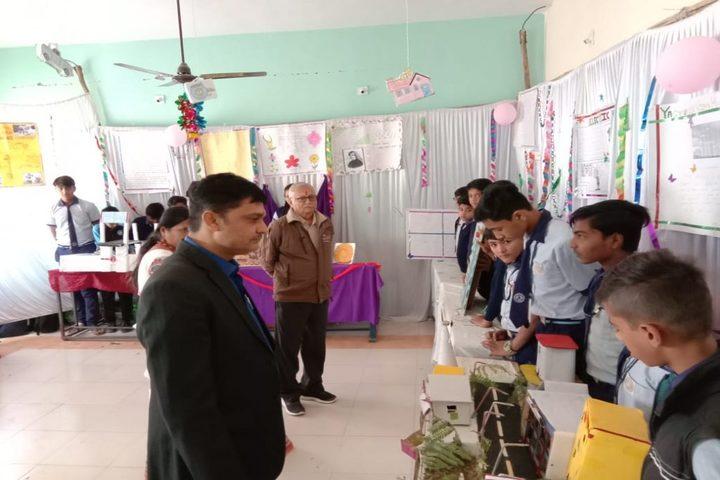 Yagyavalkya Vidya Mandir English Medium School-Science Exhibition