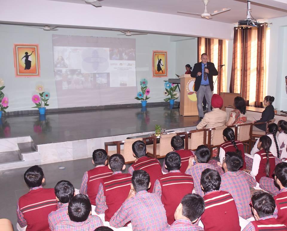 A K Dav Public School-Auditorium