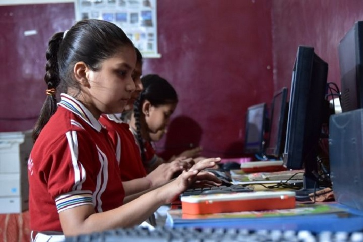 A V International Public School-Computer-Lab