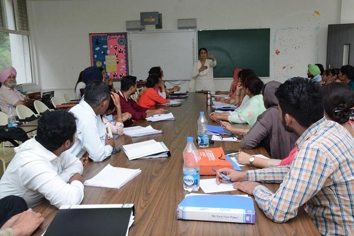 Akal Academy Ellenabad-Class Room
