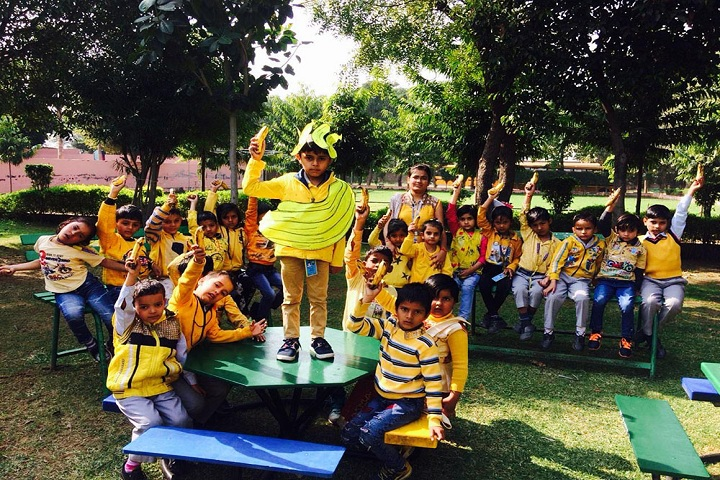 Asian Public School-Banana day activity