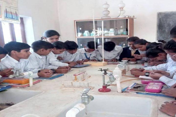 B R Gyan Deep Senior Secondary School-Chemistry Lab