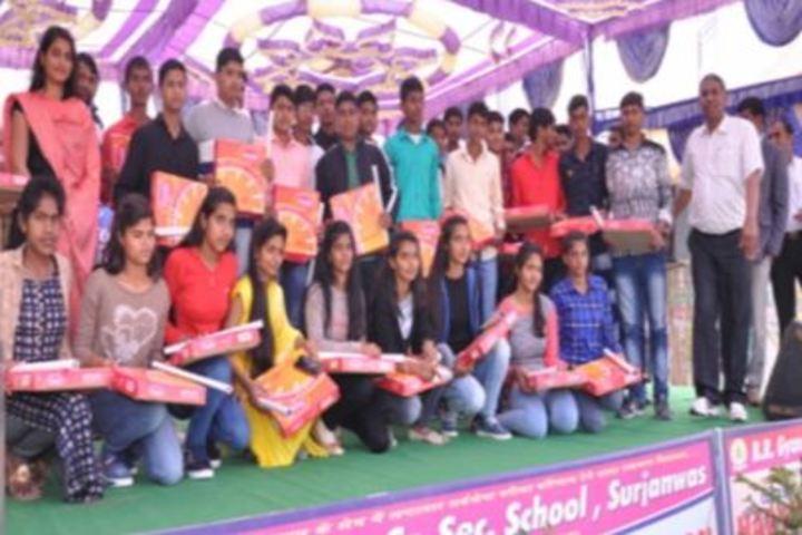 B R Gyan Deep Senior Secondary School-Prize Distribution
