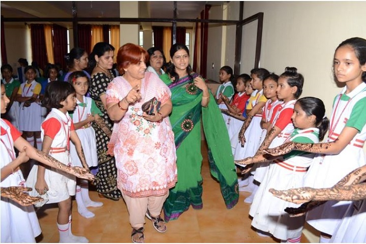 Bal Bharti Vidya Peeth-Mehendi Competition