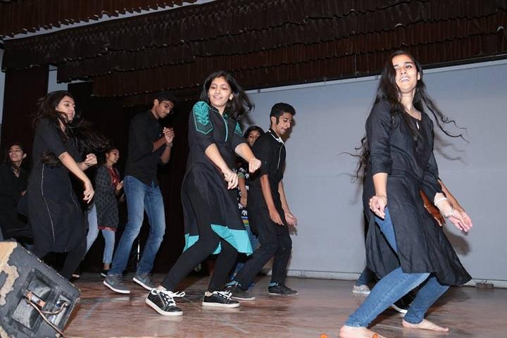 Bhavan Vidyala-dance