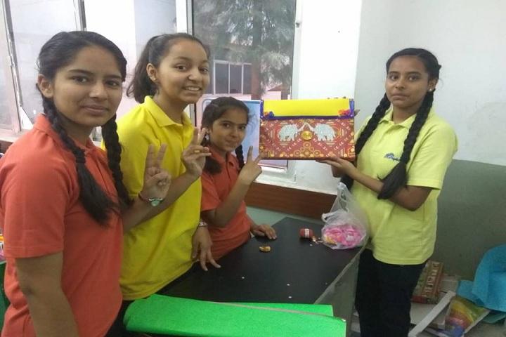 Bright Scholar Senior Secondary School-art and craft