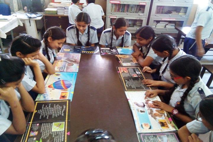Chamanlal DAV Senior Public School-Library