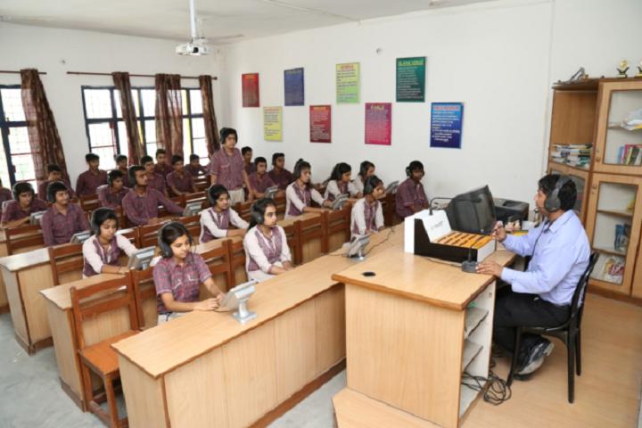 D A V Centenary Public School-Visual-Class
