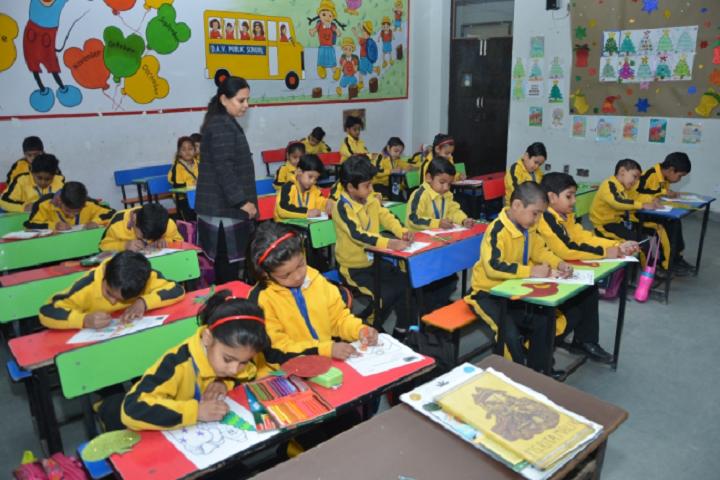 D A V Centenary Public School-Junior-Classroom