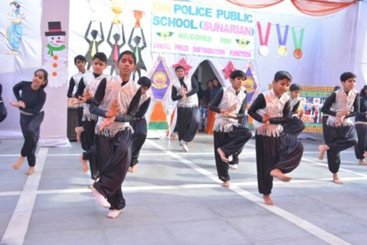 D A V Police Public School-Dance Activity
