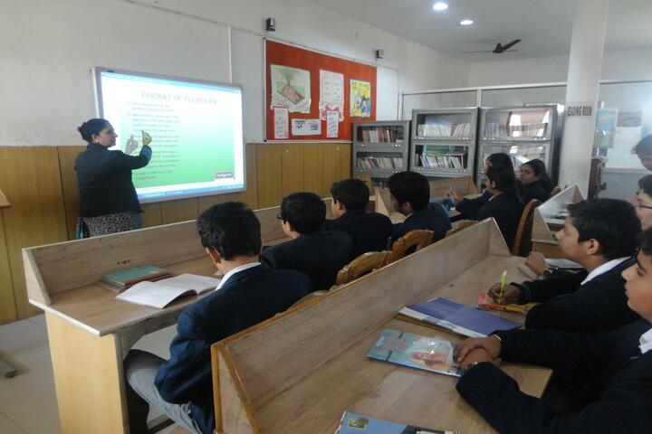 DAV Senior Secondary Public School-Smart Class