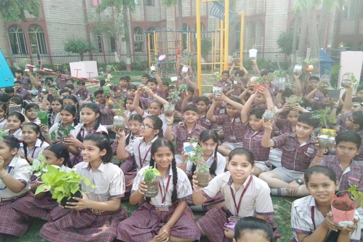 DAV Public School-Plant A Tree Program