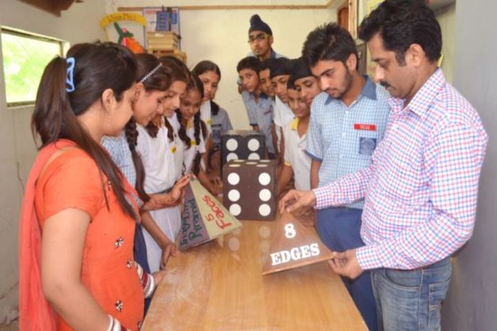 DAV Centernary Public School-Maths Lab