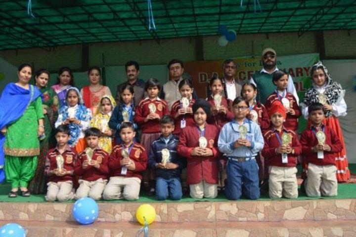 DAV Centernary Public School-Prize Distribution