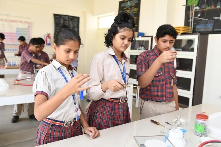 Dav Police Public School-Chemistry Lab