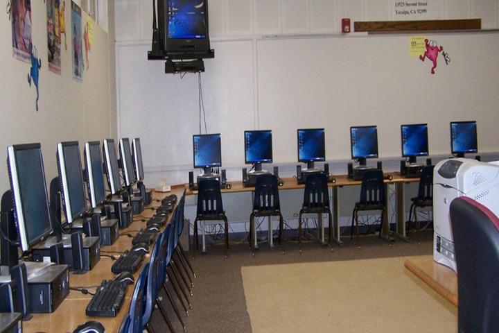 Dawn Nilayam Public School-IT Lab
