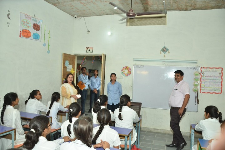 Dayanand Senior Secondary School-Class Room