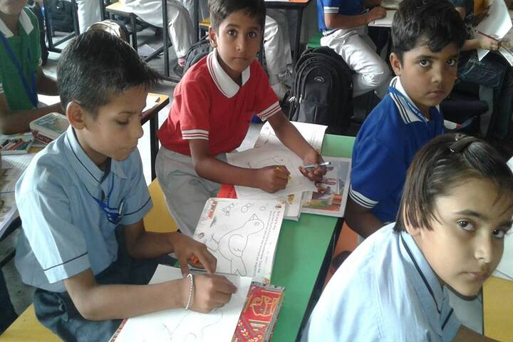 Delhi Heritage International School-Class Room