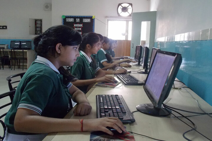 Delhi Public School - Computer Lab
