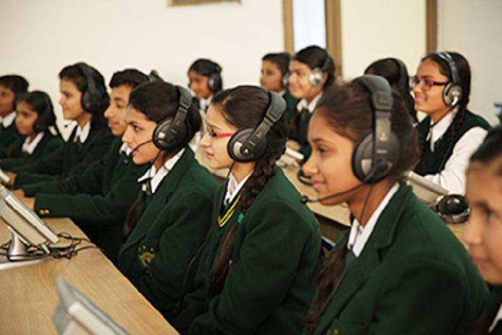 Delhi Public School Ambala-Computer Lab