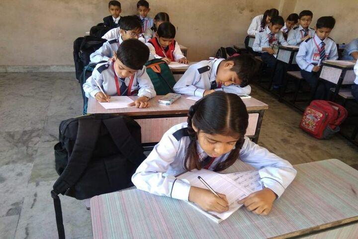 E Max International School-Classroom