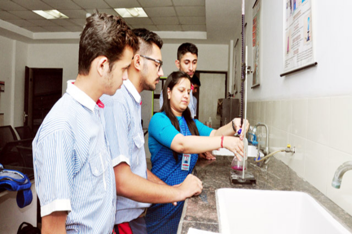 GD Goenka Global School-Chemistry Lab
