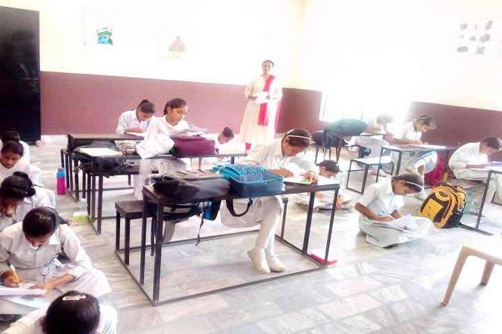 Geeta Senior Secondary School-Classroom with students